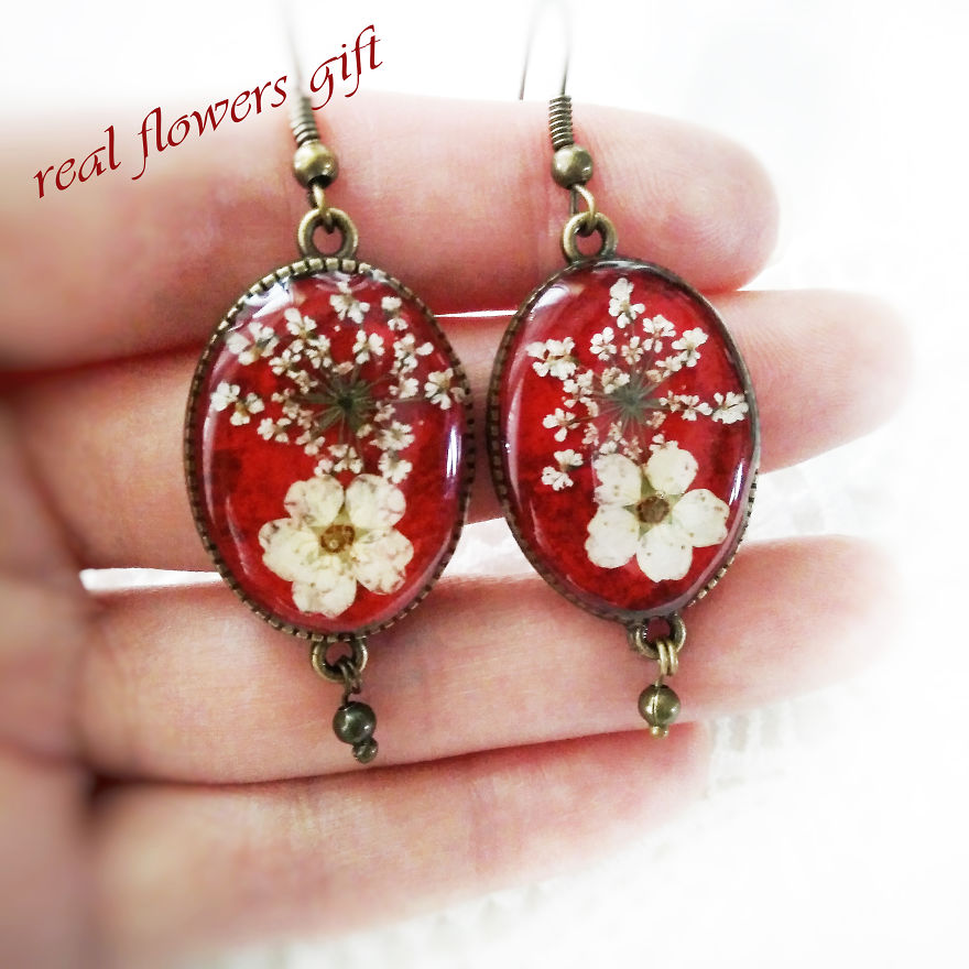 I Handmake Jewelry With Real Flowers And Natural Stones