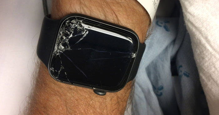 Apparently, Apple Watch Can Detect When The Wearer Is In Danger And That's How It Saved This Man's Life