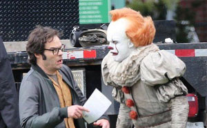 Turns Out, Pennywise's Crossed Eyes Are Not CGI And It Seriously Spooked Bill Hader On Set