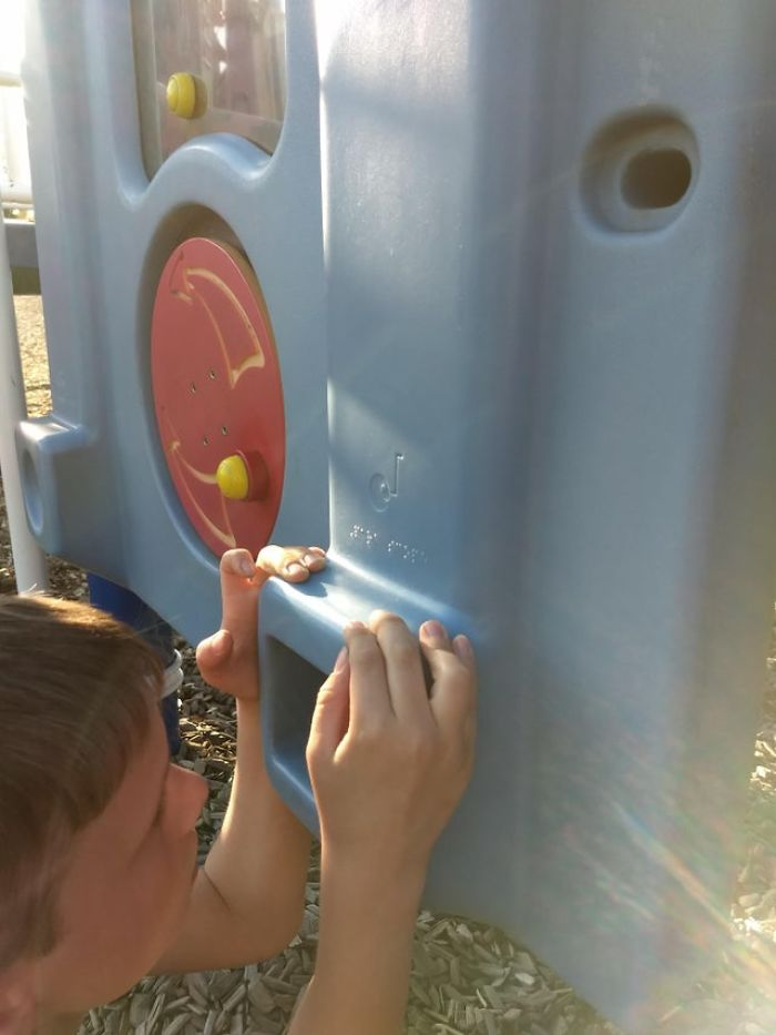 Braille On This Playground Periscope