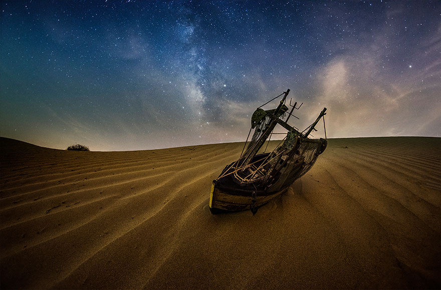 I Photograph Fake Miniature Scenes With The Milky Way In The Background (20 Photos)