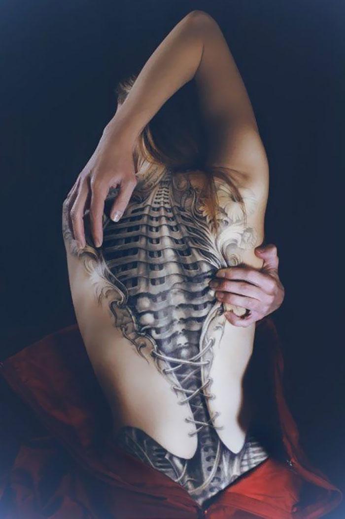 Amazing 3D Back Tattoo
