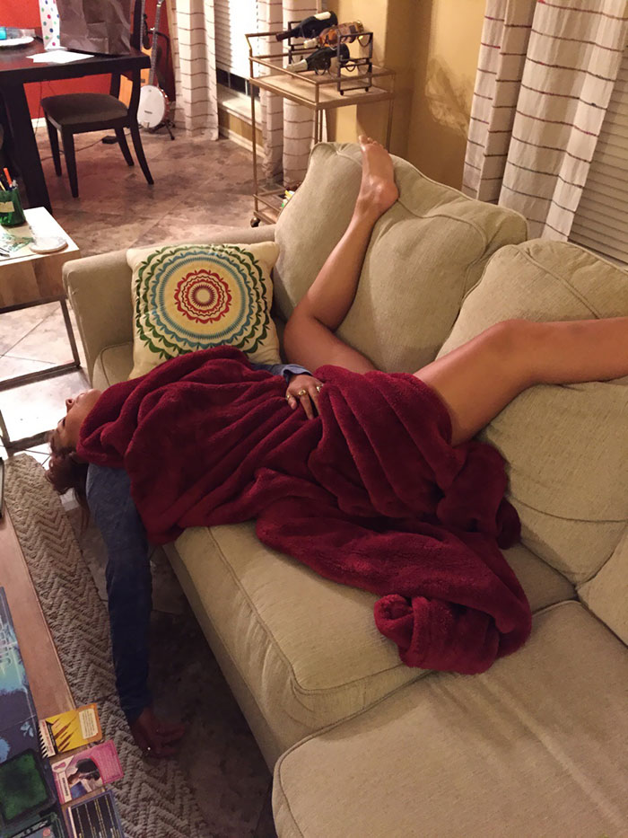 35 People Caught Napping In Funny And Uncomfortable-Looking Ways