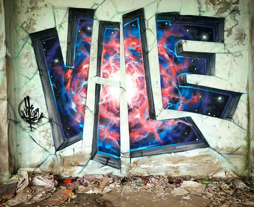 Graffiti-Artist-Transparent-Wall-Art-Vile
