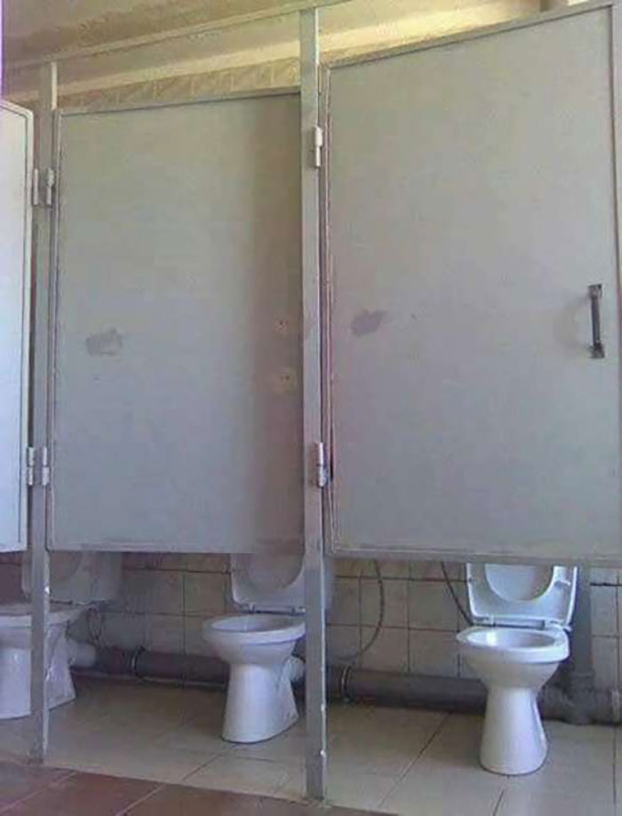 Toilets-With-Threatening-Auras