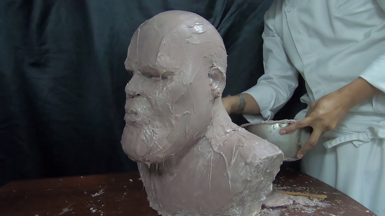 Chocolatier Chef Sculpted Thanos Out Of Pure Couverture Chocolates
