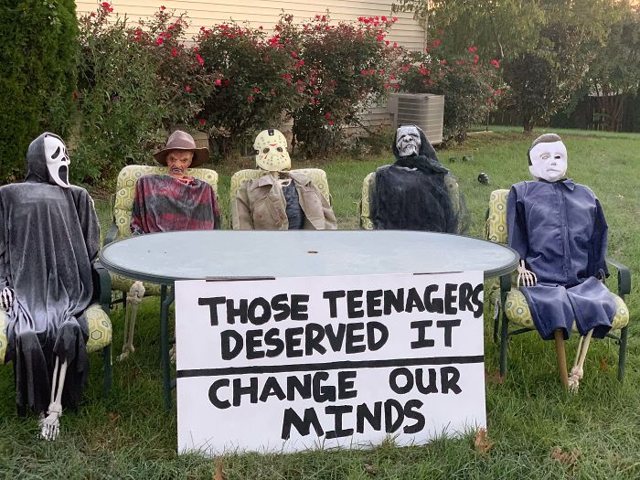 Decoración De Halloween Hecha Por Mi Mujer Y Mis Hijos