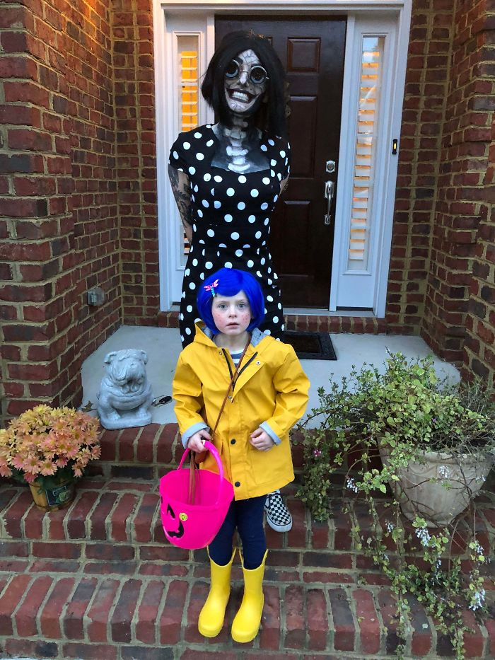 My 6-Year-Old Sister Wanted To Be Coraline For Halloween And For Me To Accompany Her As The Other Mother. Here Is Our Result