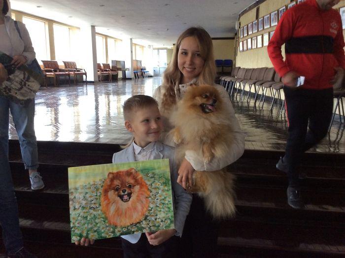 """devetogodišnji ruski dječak """"prodaje"""" svoje slike kućnih ljubimaca za hranu i potrepštine za životinje u skloništima"""