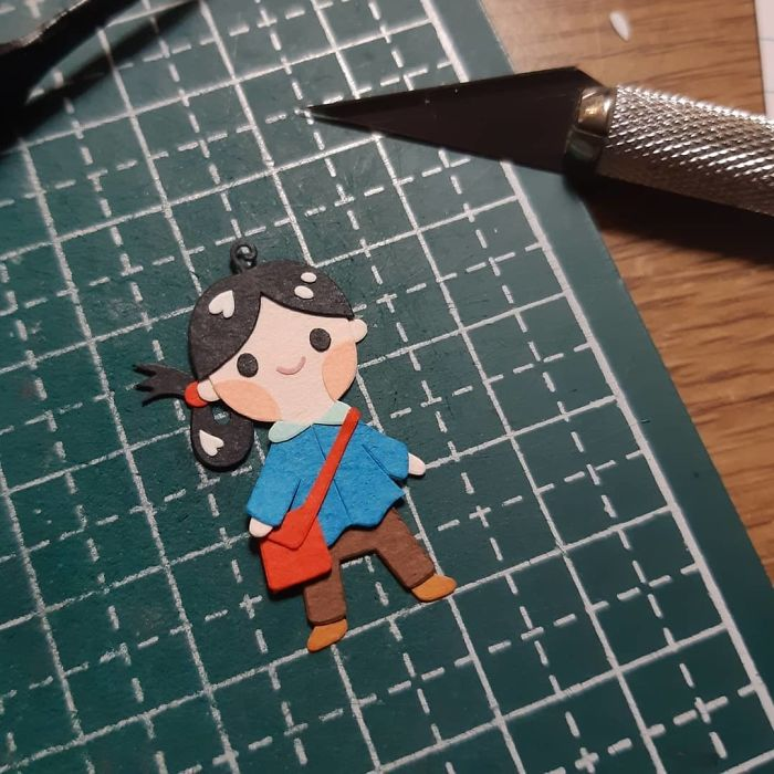 Mini Me On A Quest To Who Knows Where╭( ●¯^¯●)╮ #papercutting #papercut #cutpaper #papercraft #rpg #meettheartist #ds #cutoodle