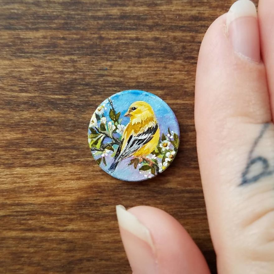 Yellow Finch. . . . . . . . . #contemporarypainting #contemporaryart #oilpainting #painting #paint #oils #bird #finch #tiny #onecent #nature #blossom