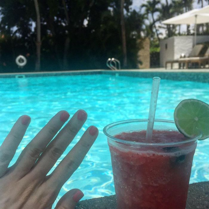 When Ur #notengaged On Ur #nothoneymoon Havin A Cute Lil Swim Up To The Cute Lil Swim Up Bar And Ur Unbejeweled Left Hand Orders A Strawberry Daiquiri. Poor Me Im Single Whatever Shall I Do 👀🍹💃🏻 Can U Imagine If U Didn't Sweat About That Tinder Date And Just Did Whatever U Wanted? Lol Wear Sunscreen! Xo #blessed