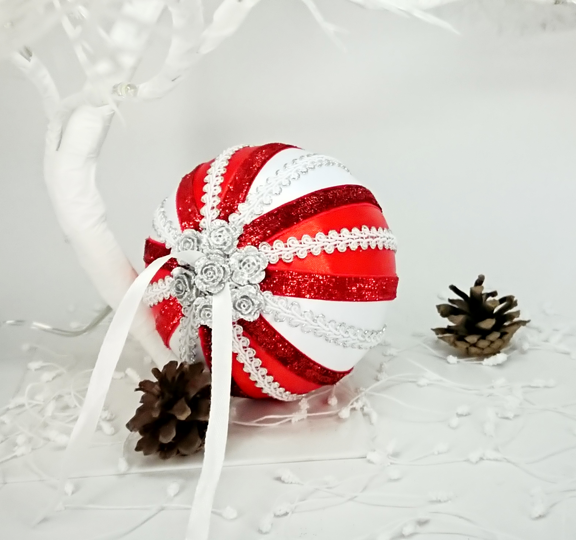 White Red Christmas Baubles
