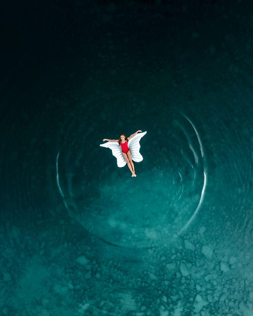 Flying In The Water, Yura Borschev, Russia