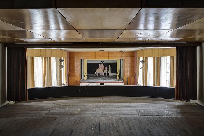 I Photograph Abandoned And Forgotten Ballroom In Germany