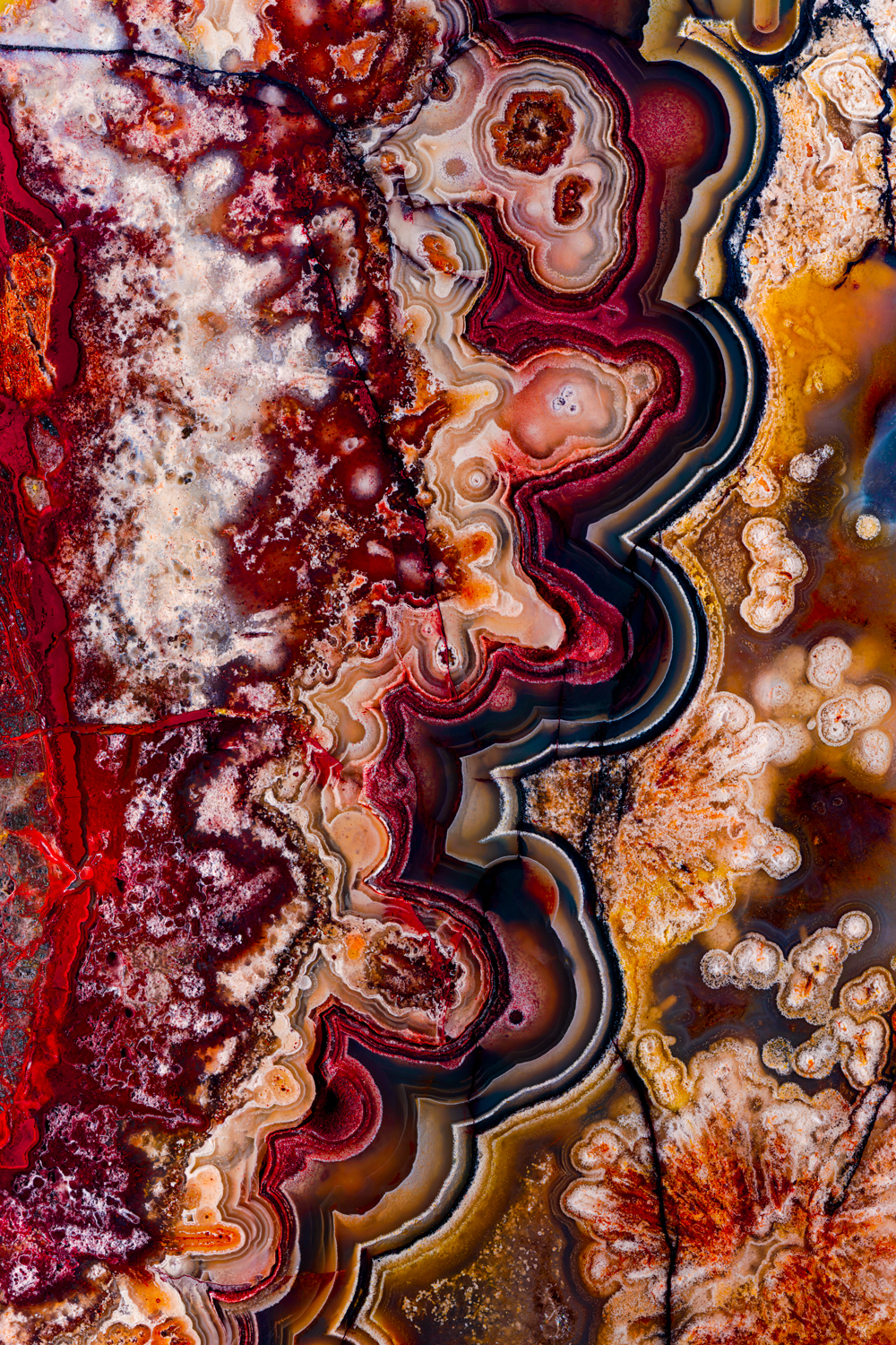 I Combine Tens Of Thousands Of Photos To Create One Image Of A Mineral