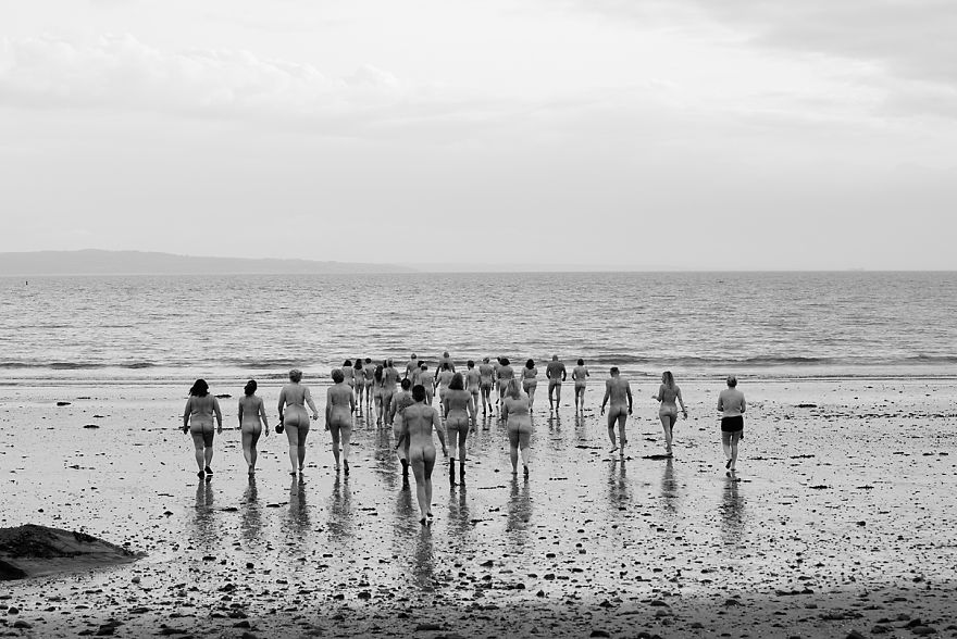 40 Swimmers Skinny Dip In The Firth Of Forth