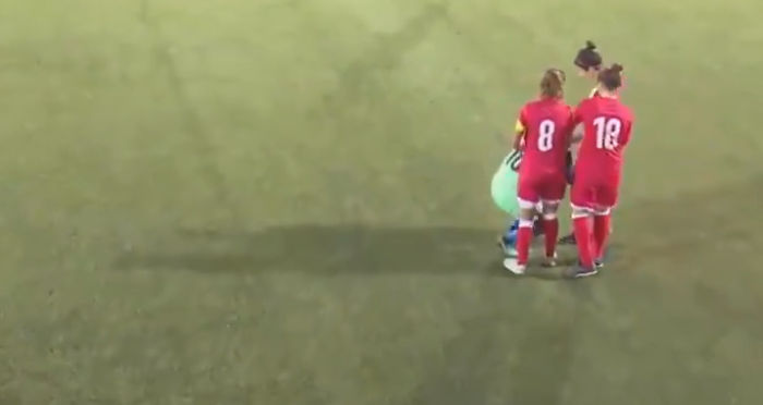 This Football Player's Hijab Slipped Off So The Opposing Team Came To The Rescue