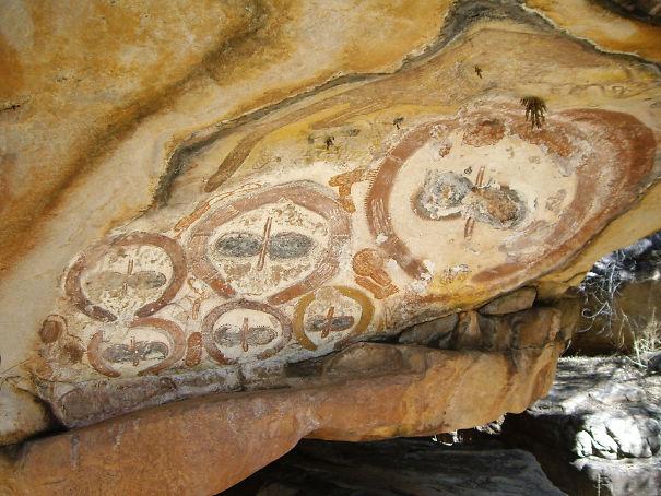 Wandjina-cave-paintings-region-Kimberley-Australia.jpg