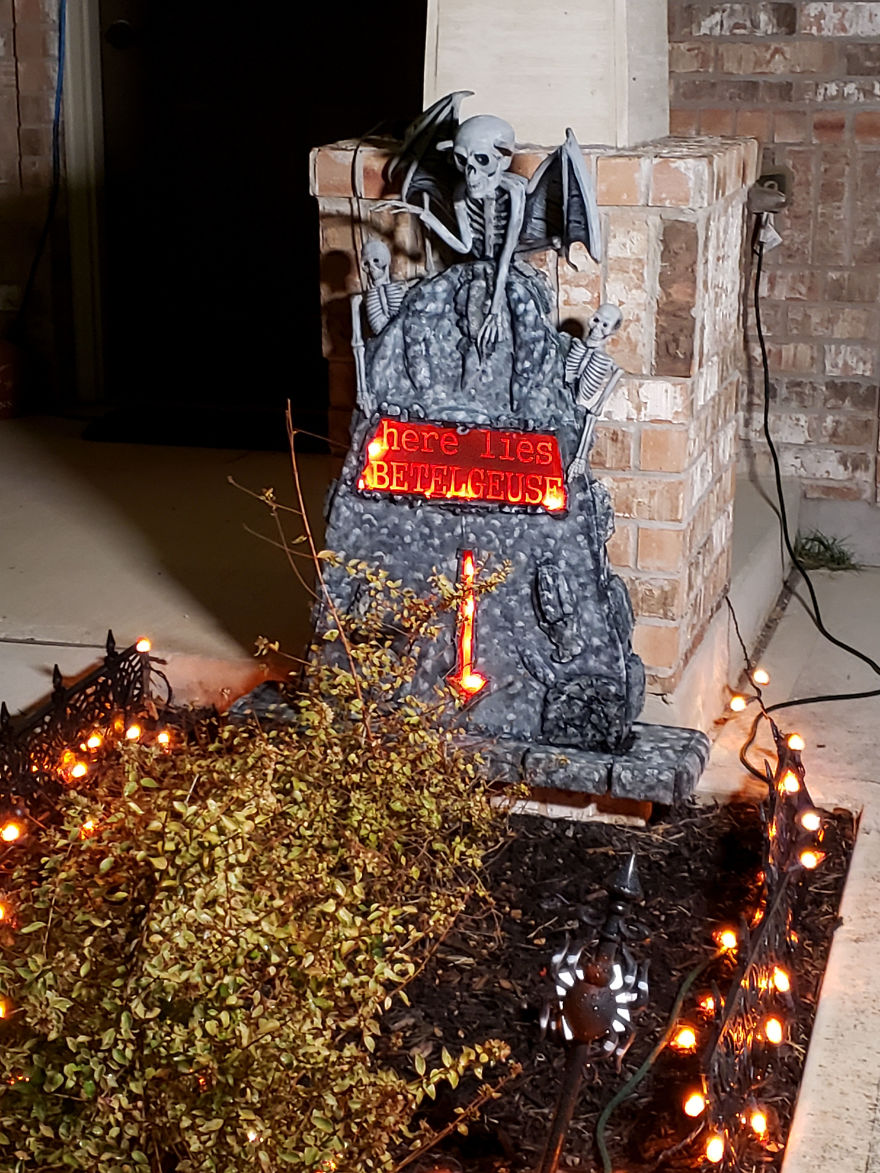 We Decorated Our House Based On Beetlejuice For Halloween   Bored ...