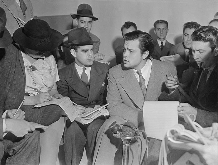 There Was No Widespread Outbreak Of Panic Across The United States In Response To Orson Welles's 1938 Radio Adaptation Of H.g. Wells's The War Of The Worlds