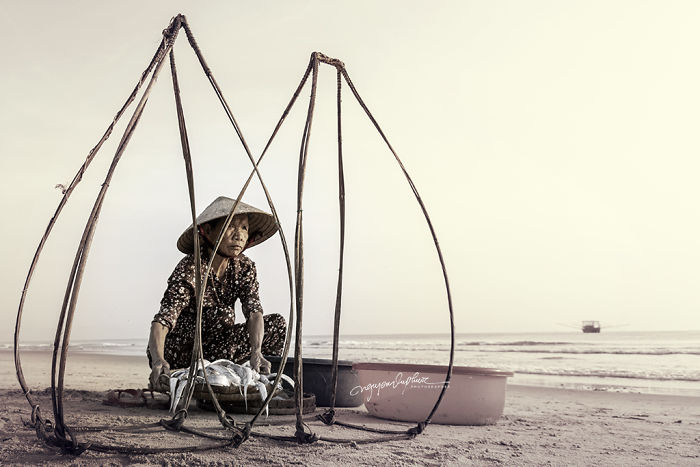 I Photographed Old Vietnamese Mothers