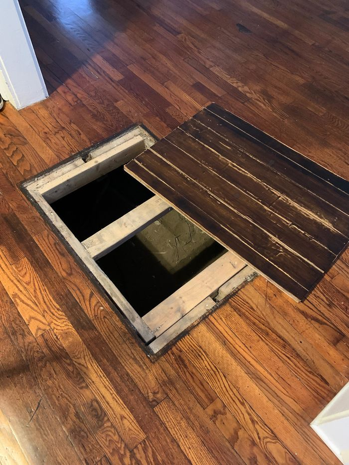 An Opening In The Bottom Floor Of An 1850s Home In Charleston, Sc. What Is This Thing?