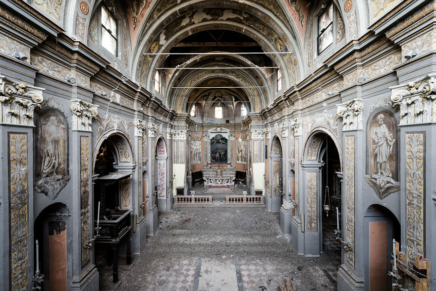 Crazy Beautiful Church In Italy