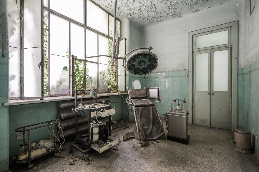 A Classic Shot From A Classic Italian Asylum