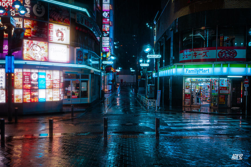 Ghost Shibuya: The Calm Before The Super Typhoon Hit Tokyo In 2019 (18 Pics)