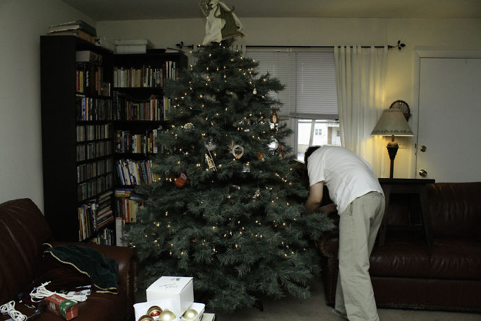christmas-decorations-benefits-study-research-5dc140441c50e__700