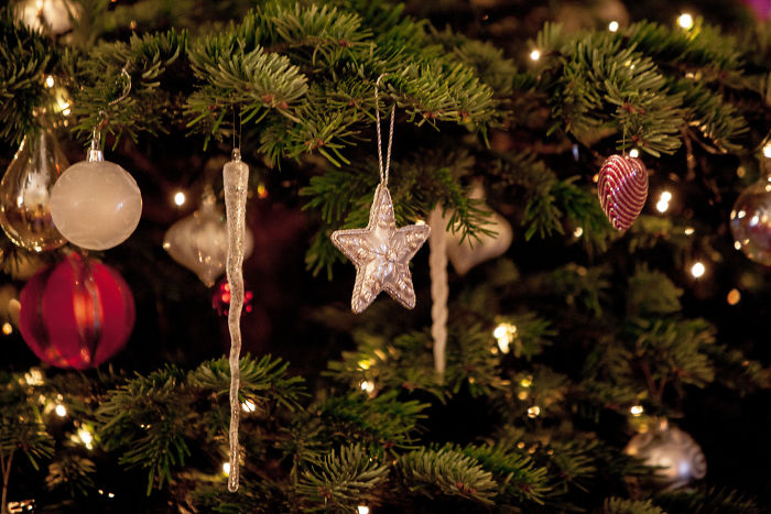 christmas-decorations-benefits-study-research-5dc141a55f242__700