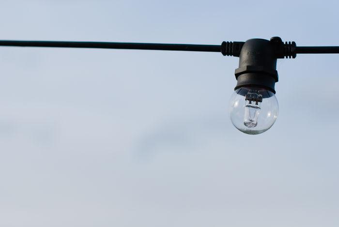 Thomas Edison Did Not Invent The Light Bulb