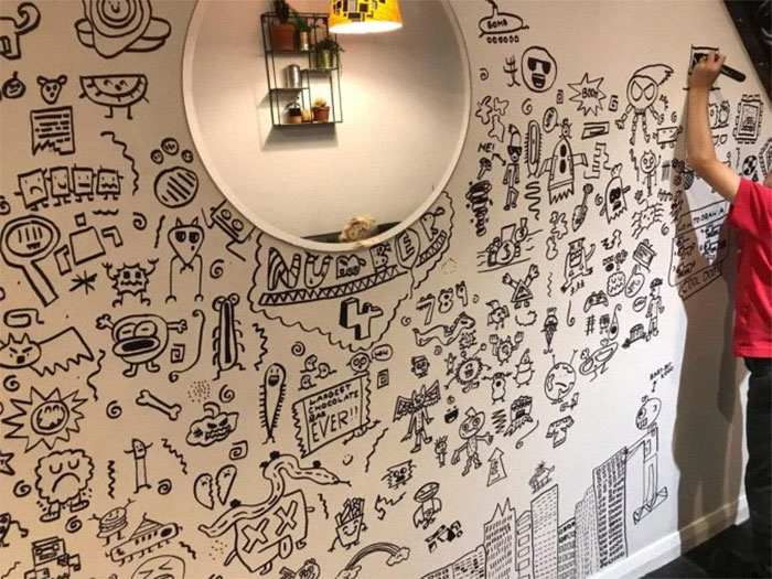 9-Year-Old Kid Who Kept Getting In Trouble For Doodling In Class Gets A Job Decorating A Restaurant With His Drawings