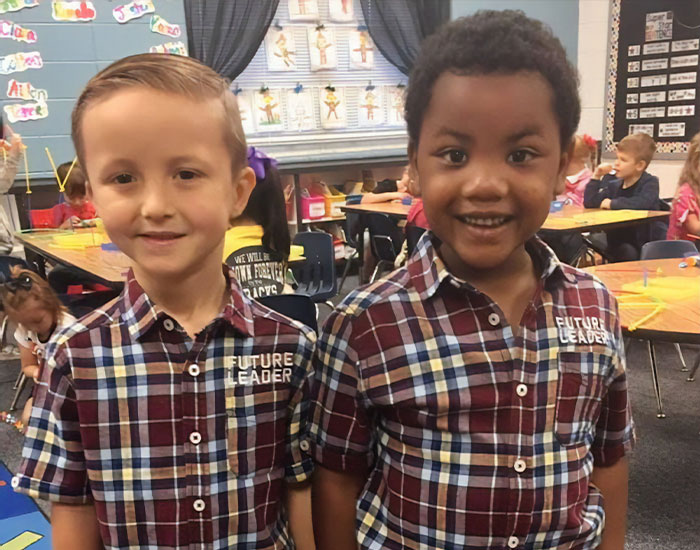 """This Mother Broke Into Tears When She Saw A Picture Of Her Son With His """"Twin"""" On Twin Day"""