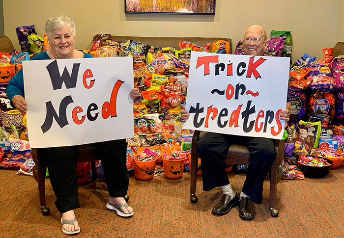 For The First Time, This Nursing Home Opens Its Doors For Kids To Trick Or Treat And Gets Over 5,000 Visitors