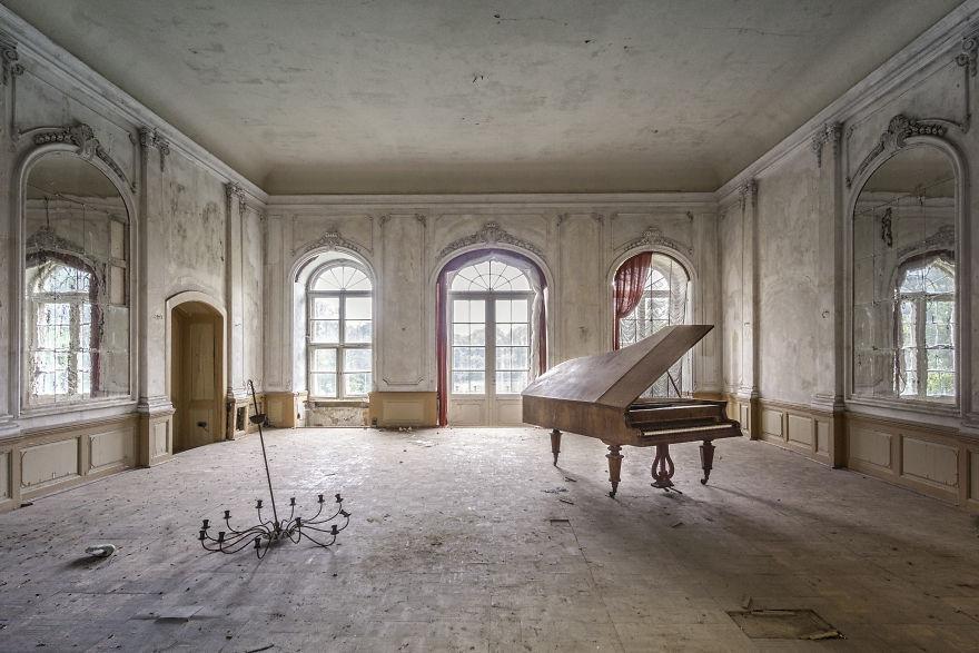 Requiem Pour Pianos 32