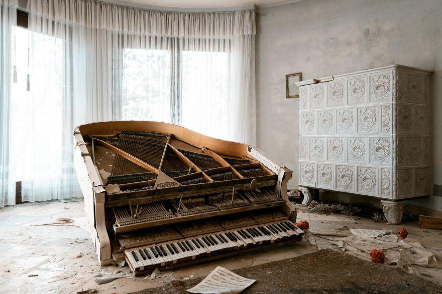 Requiem Pour Pianos 79