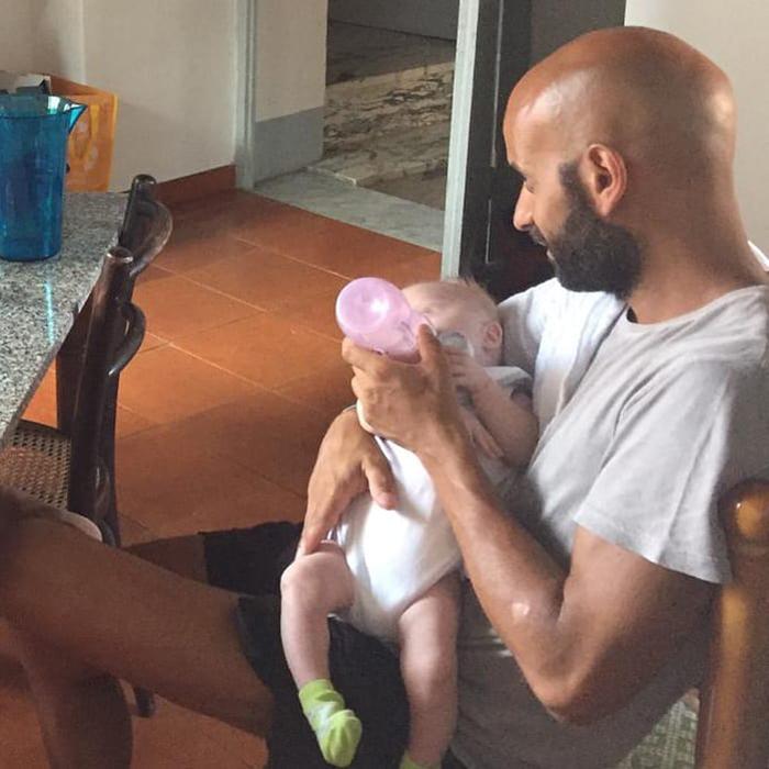 Este padre soltero adoptó a una niña con síndrome de Down que ya había sido rechazada por 20 familias