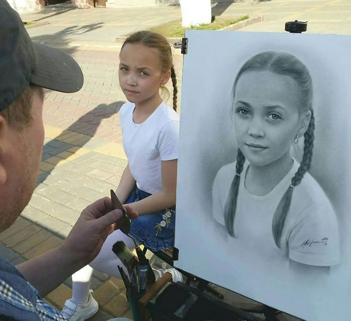 Russian Street Artist Draws Realistic Portraits In One Hour (30 Pics)