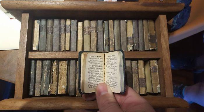Mi abuelo tenía todas las obras de Shakespeare en miniatura. Tienen 111 años