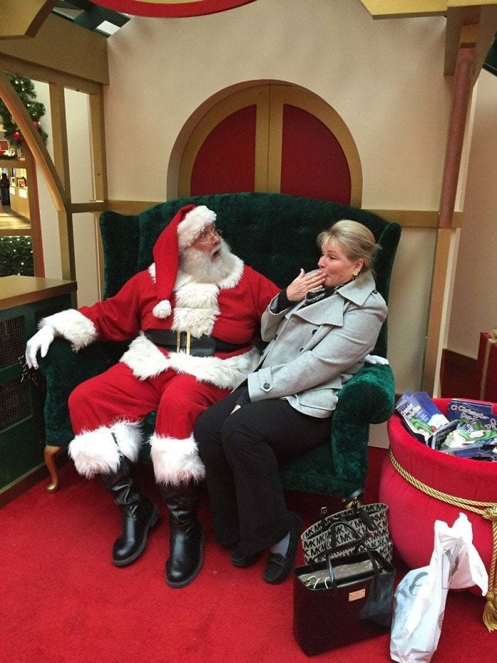 "My Mom Said ""Damn"" In Front Of Santa. This Was The Reaction"