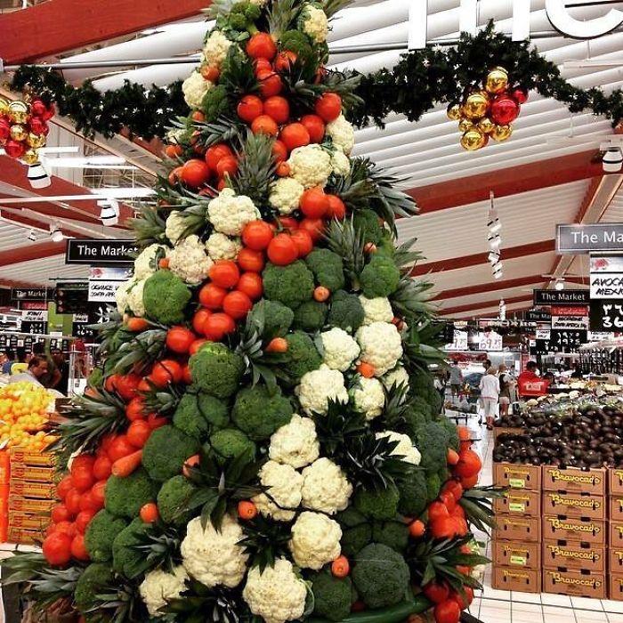 Vianočný strom v supermarkete