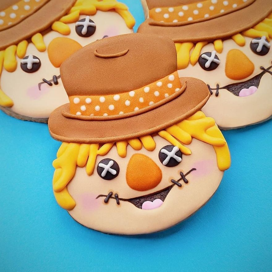 I Spend My Free Time Creating Cookies Of Characters Almost Too Cute To Eat!