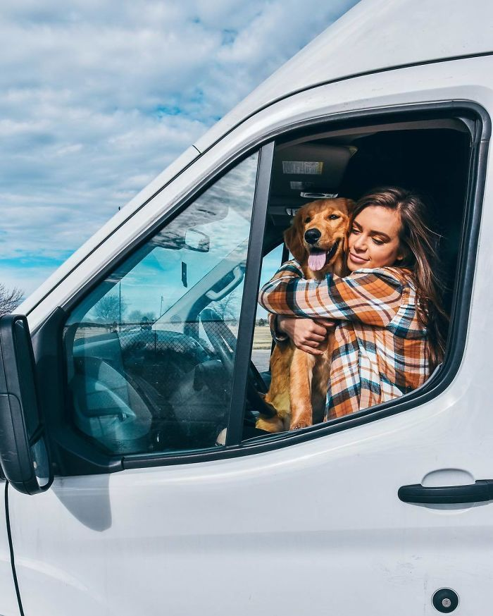 24-Year-Old Dumps Her Boyfriend, Quits Her Job, And Now Is Living The Van Life With Her Dog