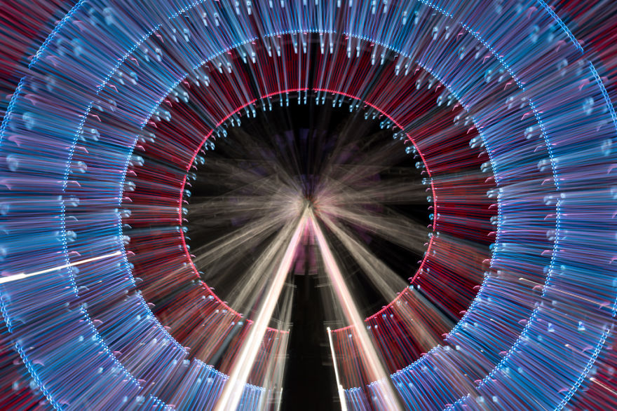 13 Long Exposure Zoom Pictures I Took Of A Ferris Wheel