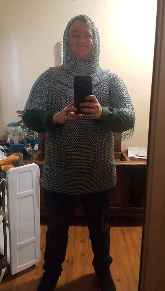 """Pardon My Ridiculous """"I Just Paid $20 For Full Chainmail"""" Face"""