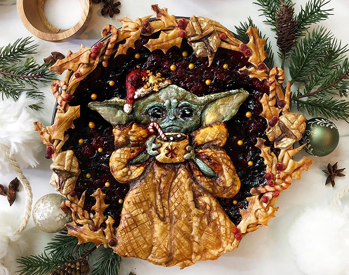 25 Pies That Look Too Good To Eat, Including A Festive Baby Yoda