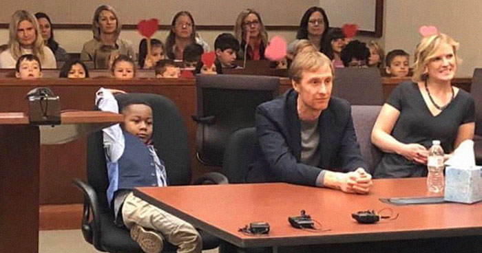 Boy Has His Whole Kindergarten Class At His Adoption Hearing And It's The Cutest Support Group Ever