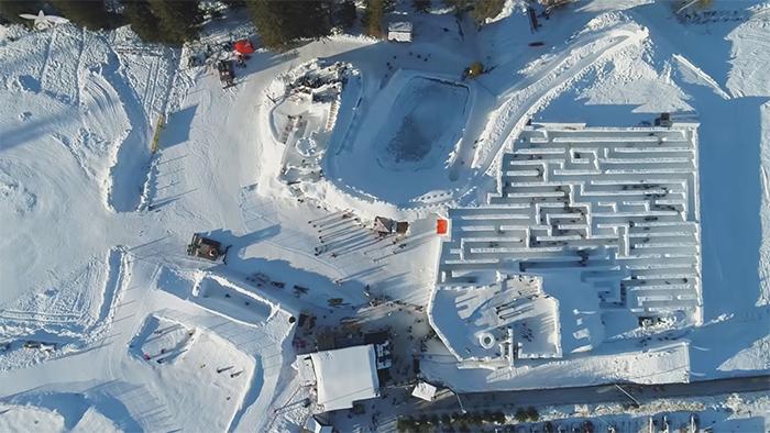 波蘭打造「世界最大冰雪迷宮」!迷失在全白童話世界+超驚奇內部…好玩到不想出來!